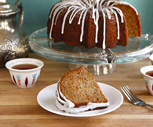 Rosh Hashanah: Honey Apple Cake