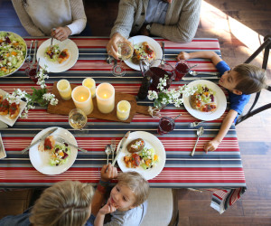 How to Start a Family Dinner Club